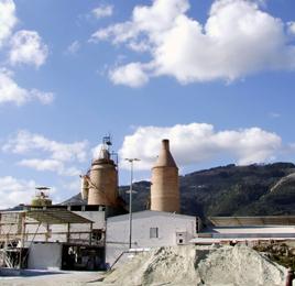 Panoramica dello stabilimento della Calcitalia Sud srl
